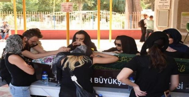 Hacer Tülü, İzmir'de toprağa verildi!