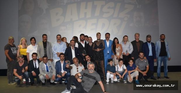 Bir Adana komedisi 'Bahtsız Bedri' bugün vizyonda!