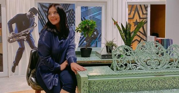 YouTube Kraliçesi Tuğçe Kandemir evlere yemek servisi yaptı!