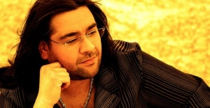Ünlü şarkıcı Çağrı Göktepe vefat etti!
