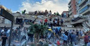 İzmir'in tarihindeki en büyük depremde kaç kişi vefat etti?